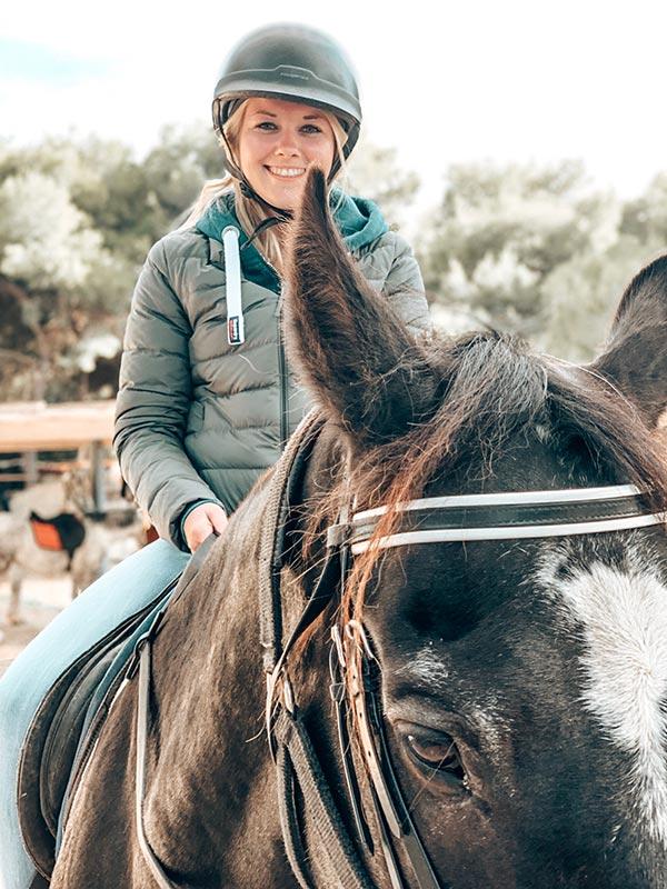 Patrica zu Pferd